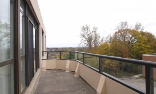 2 Lancaster St, Kitchener Lounge Balcony